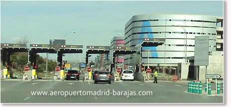 Madrid Airpot parking entrance
